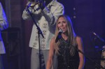 Sheryl Crow Performs Live on Letterman  (11)