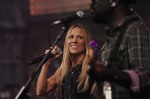 Sheryl Crow Performs Live on Letterman  (14)