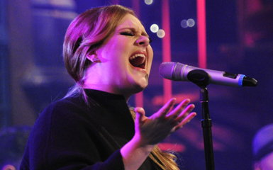 adele lovesong accoustic Adele Covers The Cures Lovesong Live On Letterman