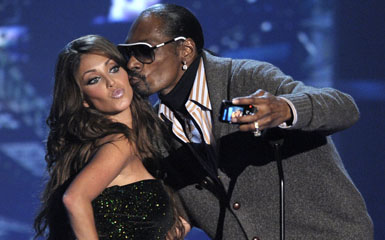 snoop dogg kiss Live on Letterman: 5 Best Snoop Dogg TV Cameos