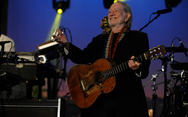 willie Willie Nelson And Snoop Dogg Fly High On Live On Letterman Web Concert