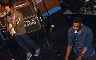 Kyp Malone (l) and Tunde Adepimbe (photo: Terri Sempert)