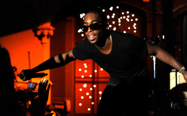 tinie lead Watch On Demand: Tinie Tempah Amazes Crowd During Live On Letterman Concert